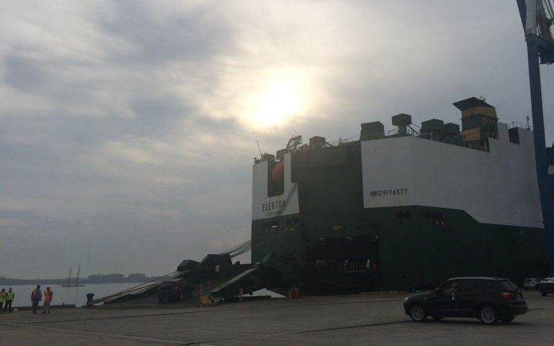 Bmw sc ports authority celebrate 2 millionth export from greer bmws being loaded onto a ship thursday in charleston fox carolina malvernweather Images