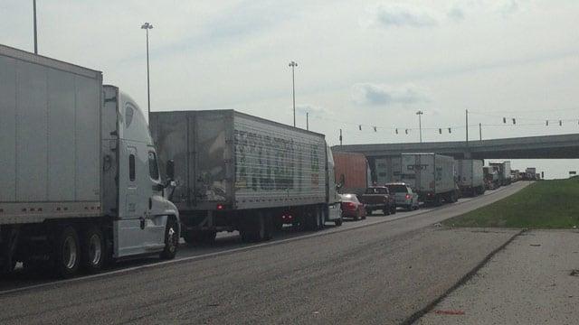 Crash blocks traffic on south i 85 in greenville county for Motor mile greenville sc