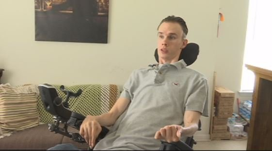 Johnathan Dodd uses smart technology in his home to help him with everyday tasks (FOX Carolina)