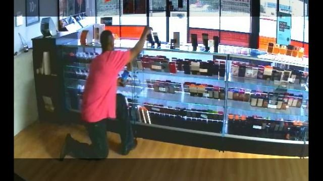 Surveillance video of cell phone store burglary (Source: Anderson County Sheriff's Office)