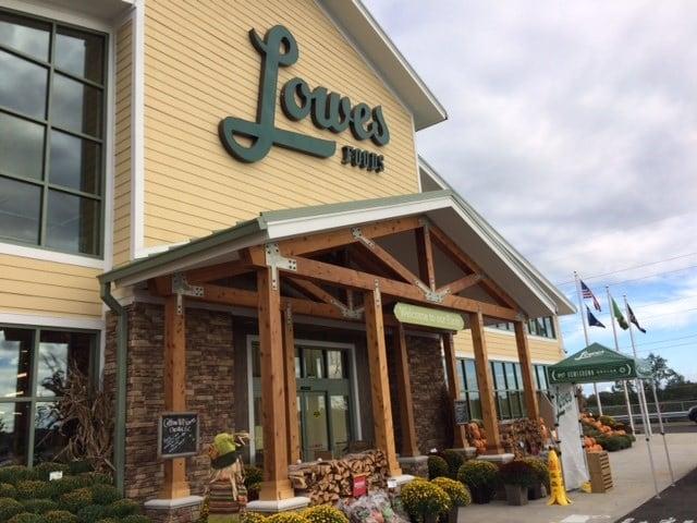 Lowes Foods in Greer (Sep. 22, 2016/FOX Carolina)