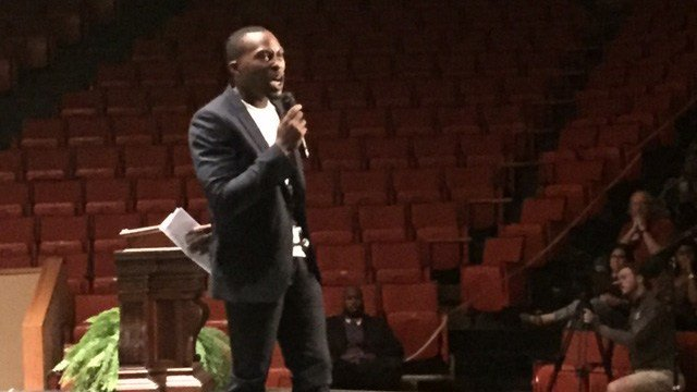Law enforcement, community activists and Clemson students gathered at a forum to discuss relations between law enforcement and the black community Sunday. (FOX Carolina/ 9/25/16)