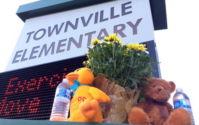 Memorial after shooting at Townville Elementary (Sep. 29, 2016/FOX Carolina)