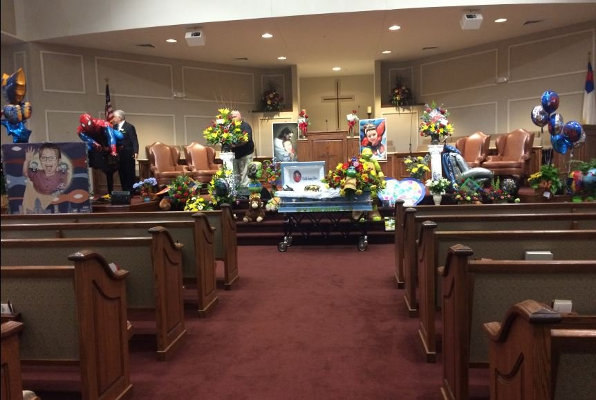 Jacob's casket in Oakdale Baptist Church ahead of the funeral (FOX Carolina/ Oct. 5, 2016)