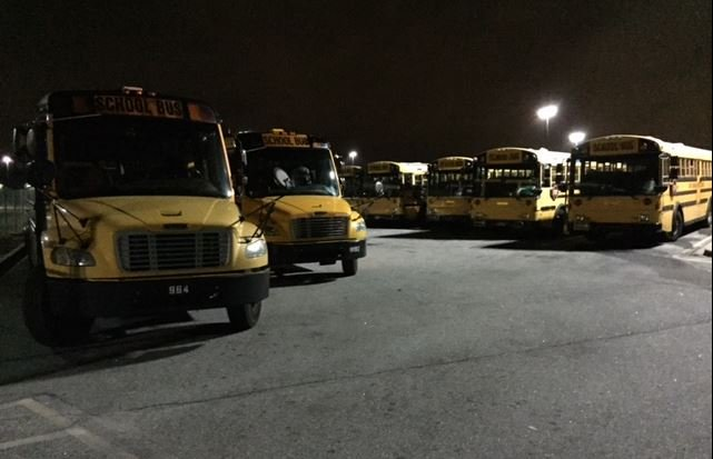 Buses return to the Greenville Co. bus lot early Friday morning (FOX Carolina/ Oct. 7, 2016)