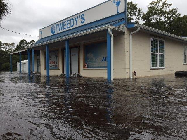 Flooding in SC Lowcountry (Oct. 8, 2016/ FOX Carolina)