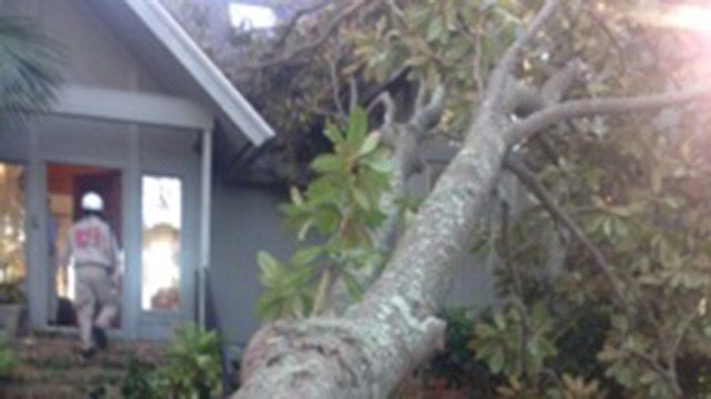Storm damage in Hilton Head. (October 11, 2016 FOX Carolina)