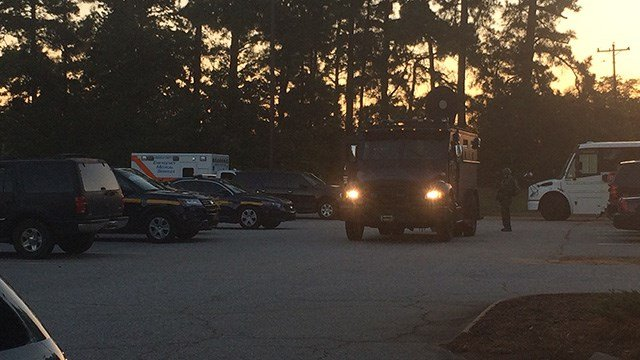 SWAT on scene in Greenville Co. (October 17, 2016 FOX Carolina)