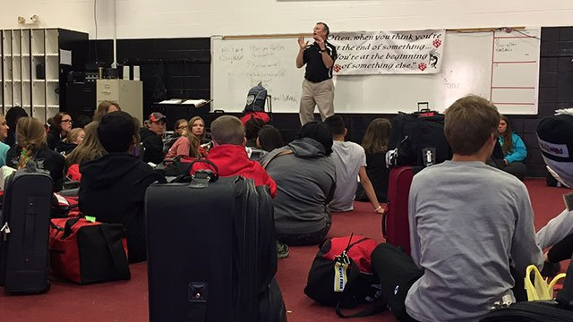 Students preparing to leave to Indianapolis (Nov. 9, 2016/FOX Carolina)