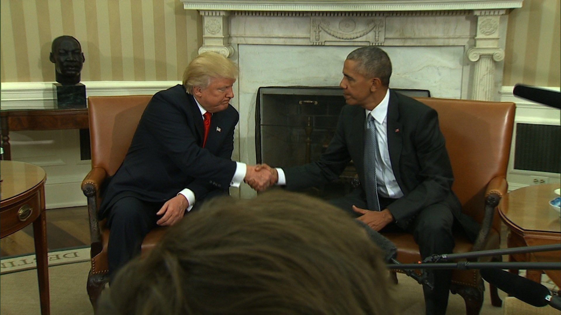 President Elect Donald Trump and President Barack Obama meet in the Oval Office, marking a new beginning. (Source: CNN)