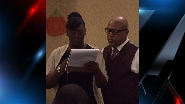 Upstate mother of victim killed by gun violence speaks at Put Down The Guns Now Young People Organization's banquet. (FOX Carolina/ November 17, 2016)