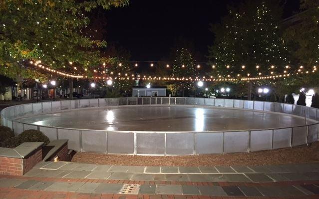 The ice rink on Morgan Square in Spartanburg (FOX Carolina/ Nov. 18, 2016)