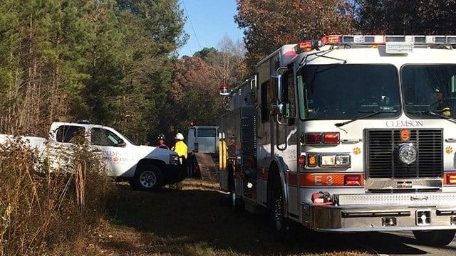 Crews on scene of brush fire in Pickens Co. (November 19, 2016 FOX Carolina)