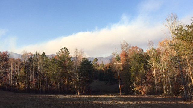 Scene of Pinnacle Mountain wildfire. (November 20, 2016 FOX Carolina)