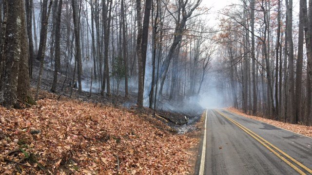 Fire crews battling blaze in Buncombe Co. along Pigsah Hwy. (FOX Carolina/ 11/24/16)