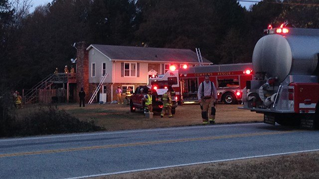 Three fire departments responded to the scene of a Spatanburg Co. house fire on Sunday. (FOX Carolina/ 11/27/16)