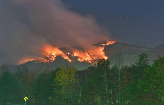 Flames on Pinnacle Mountain (Courtesy: SC Forestry Commission)