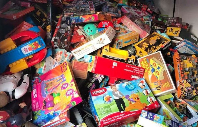Toys For Trucks Greenville : Car enthusiasts make huge toy donation for children at
