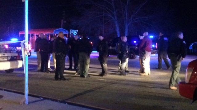 Multiple agencies on scene after 2 officers shot in Lavonia, per GBI. (December 12, 2016 FOX Carolina)