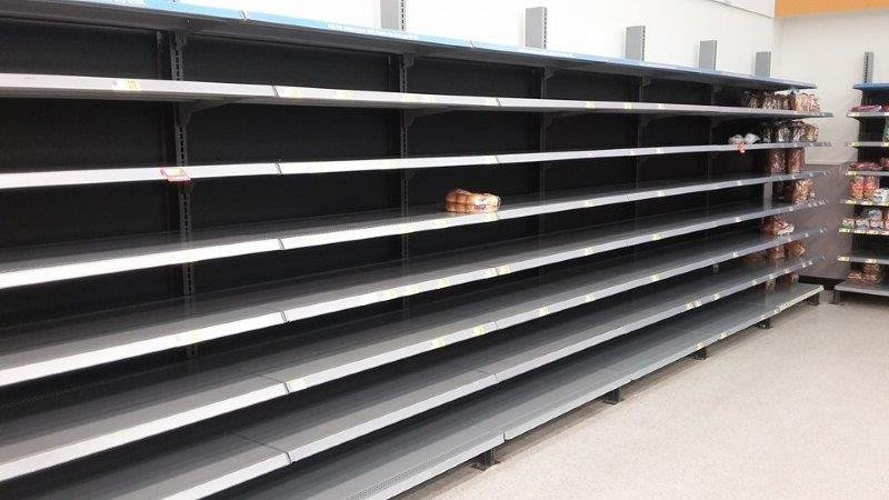 PHOTOS: Snow forecast leads to empty grocery store shelves - FOX ... Snow