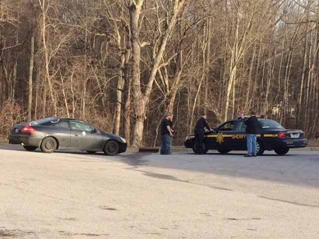 Deputies along Highway 418 (Jan. 11, 2017/FOX Carolina)
