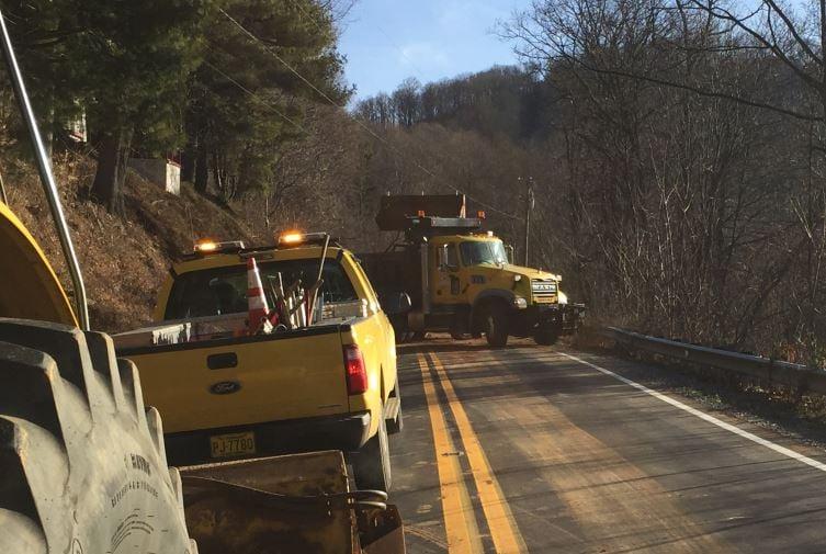 NCDOT crews clear mud from the roadway (FOX Carolina/ Feb. 10, 2017)