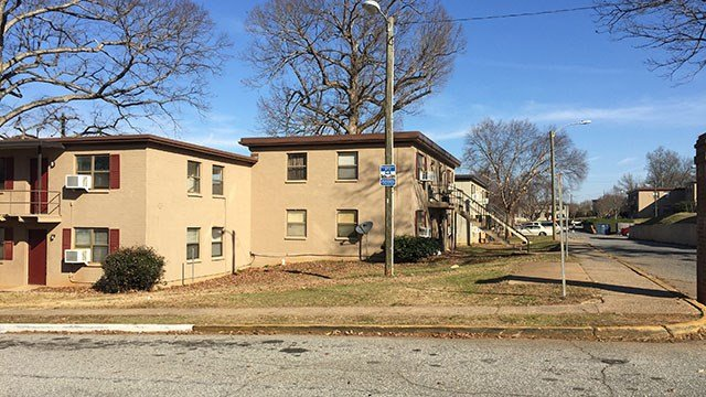 Scene of apartment shooting in Spartanburg. (Feb 11, 2017 FOX Carolina)