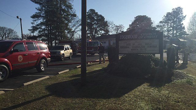 Scene of fire at Edgewood Church of Christ in Greenville. (FOX Carolina/2/23/17)