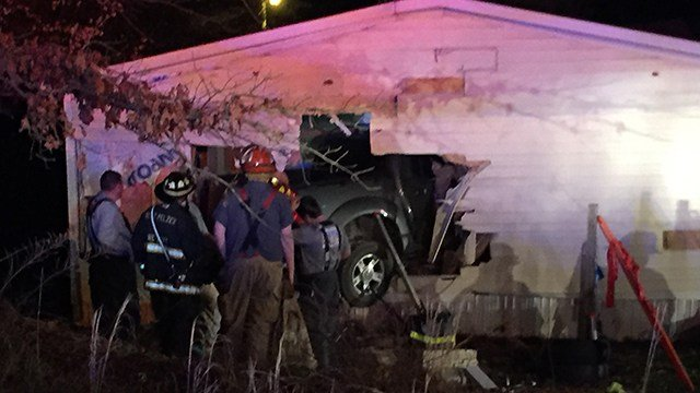 Truck crashes into side of Williamston home (Feb. 24, 2017/FOX Carolina)