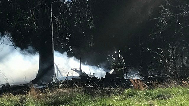 Scene of Belton fire that destroyed historic home. (FOX Carolina /2/25/17)