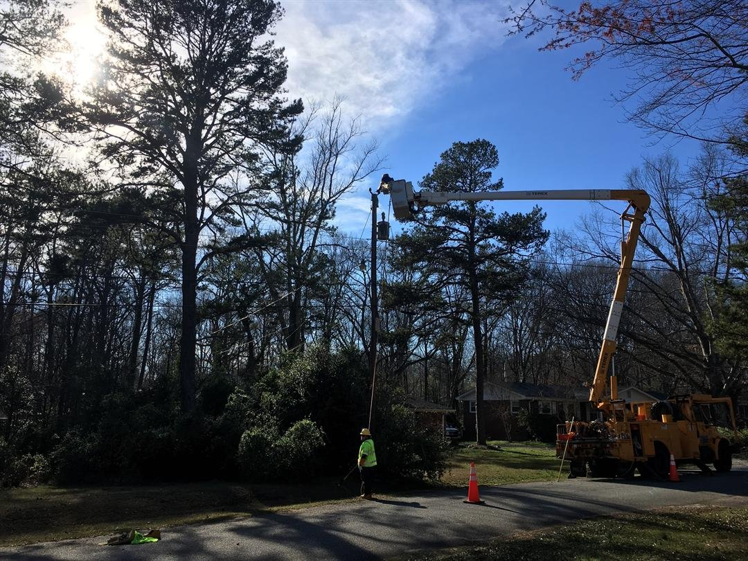 PIKE crews cut down fallen tree to restore power