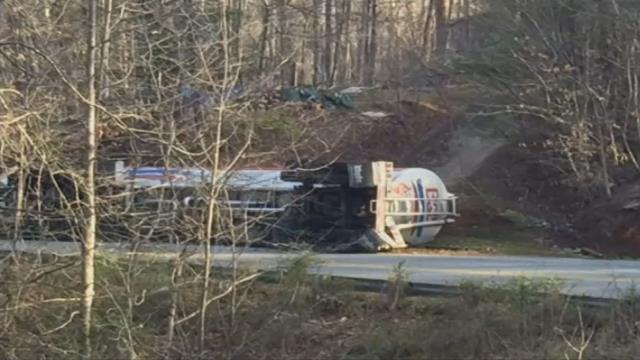 Tanker overturned near Nebo (Mar. 3, 2017/FOX Carolina)