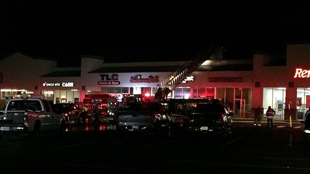 Scene of fire at American Deli Store in Greenville Co. (March 7, 2016 FOX Carolina)