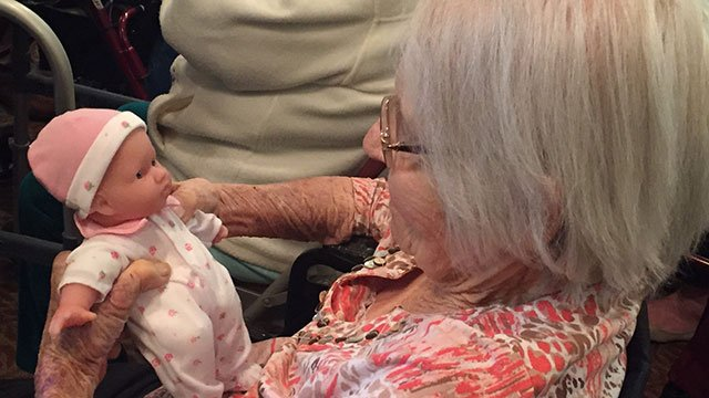 Memory loss patients received baby dolls (Mar. 8, 2017/FOX Carolina)