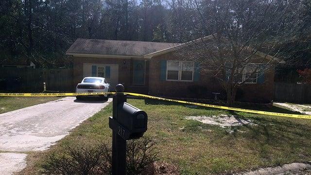 Crime tape surrounds Lindsey Lee's home. (Mar. 17, 2017/FOX Carolina)