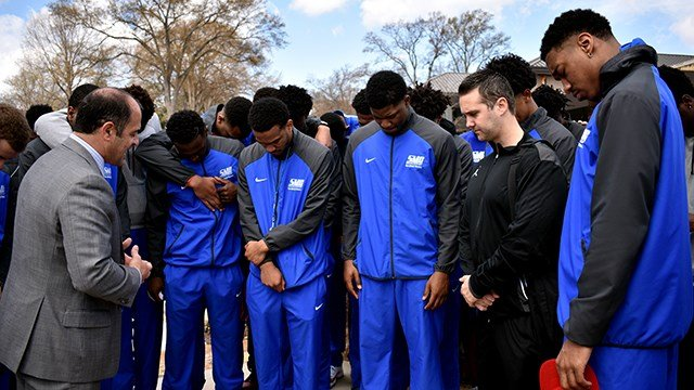 SMC Men's Basketball team. (Source: SMC)