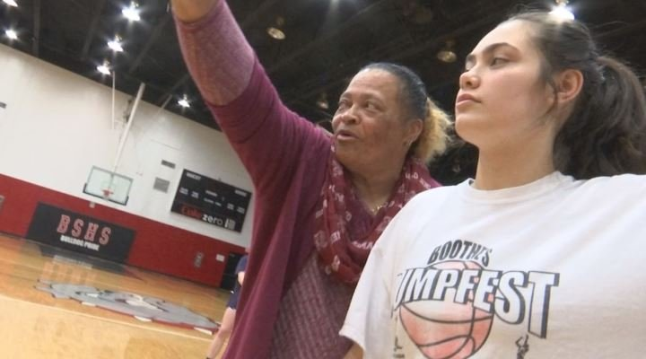 Coach Sheila Foster, first woman to have her Gamecocks jersey retired, coaches at Boiling Springs High School (FOX Carolina)