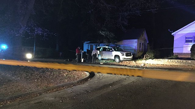 Scene of fatal shooting, crash in Anderson County. (FOX Carolina /3/25/17)