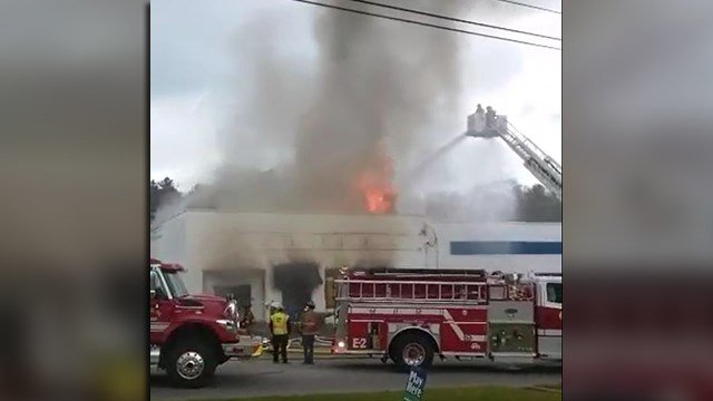 Fire at auto parts store in Seneca (Source: Joanie Watkins)