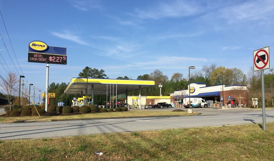 Spinx on Southport Road (FOX Carolina/ March 27, 2017)