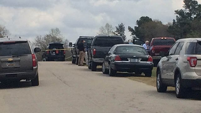 Heavy law enforcement presence on Cloverhill Drive. (Mar. 27, 2017/FOX Carolina)