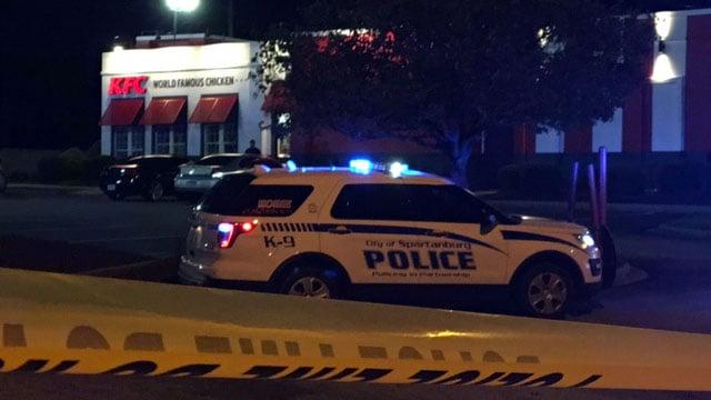 Police on scene at KFC in Spartanburg (Mar. 31, 2017/FOX Carolina)