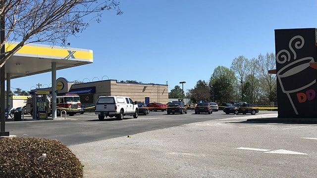 Scene at Spinx on N Pleasantburg. (April 2, 2017 FOX Carolina)