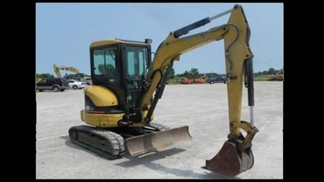 "A ""Caterpillar"" mini excavator similar to that of the one stolen. (Source: GCSO)"