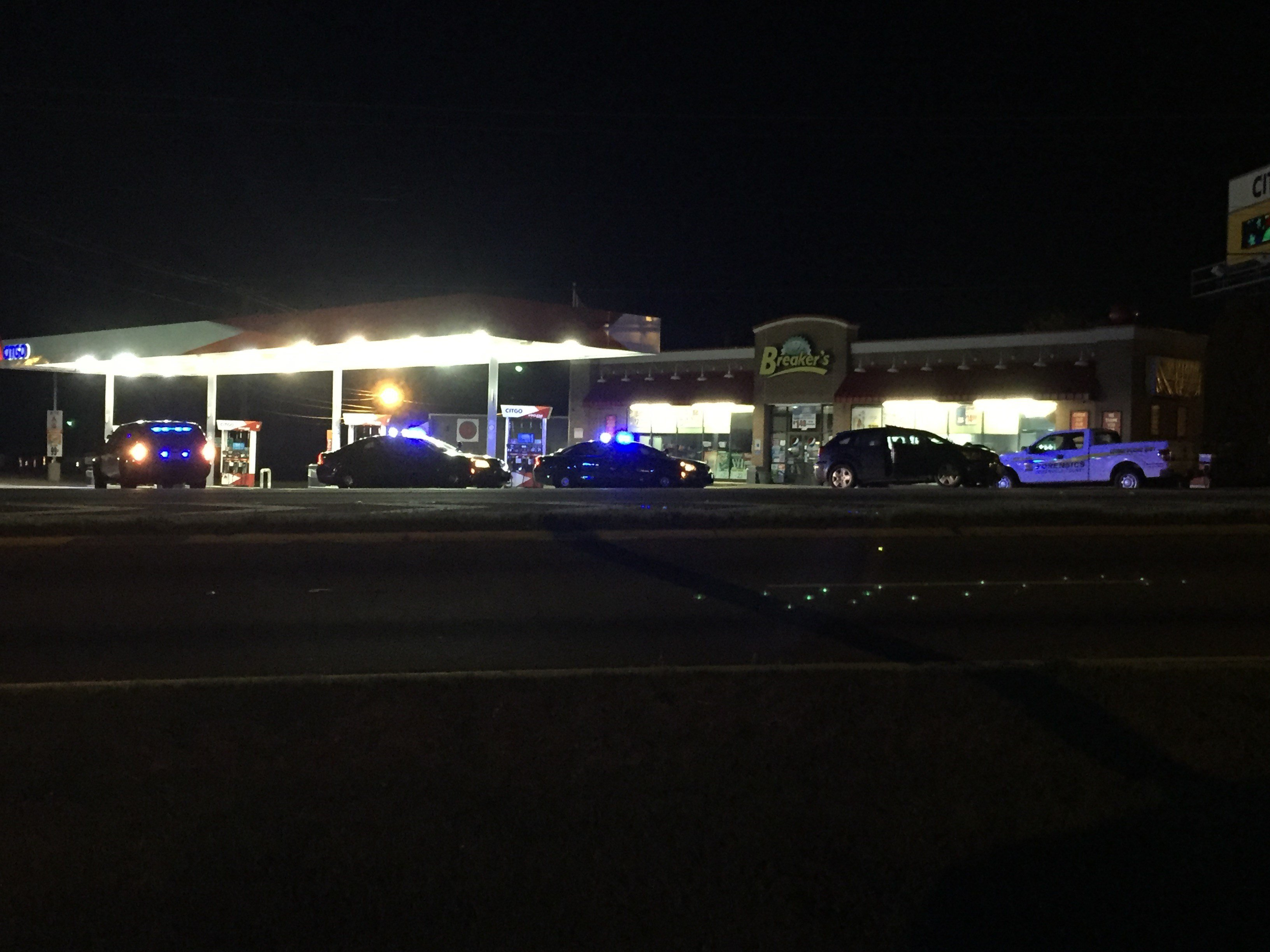 Deputies on scene at the gas station on Augusta Road at White Horse Road (FOX Carolina/ March 5, 2017)
