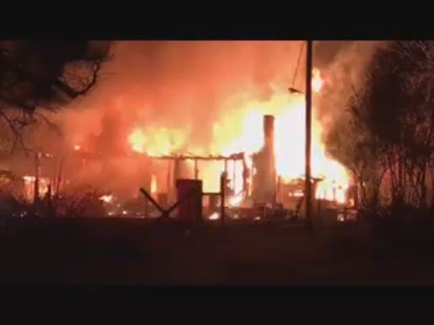 Fire destroys Laurens Co. home (Viewer video)