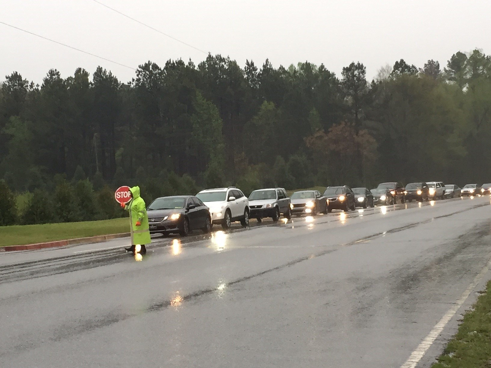 Early dismissal at Midway Elementary School in Anderson Co. (FOX Carolina/ April 5, 2017)