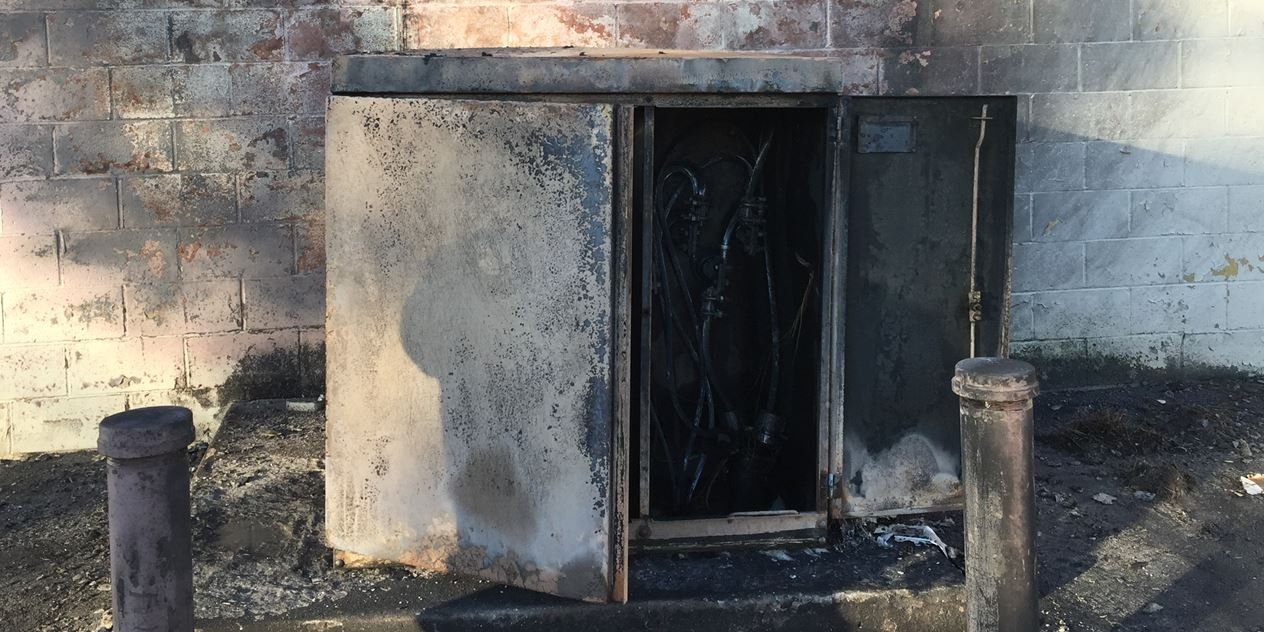 Charred electrical box behind the business (FOX Carolina/ April 6, 2017)