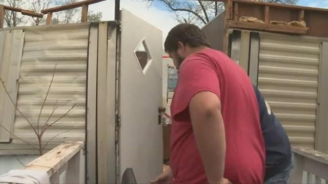 The roof of Corey Price's mobile home is blown off during storm. (FOX Carolina/ April 6, 2017)