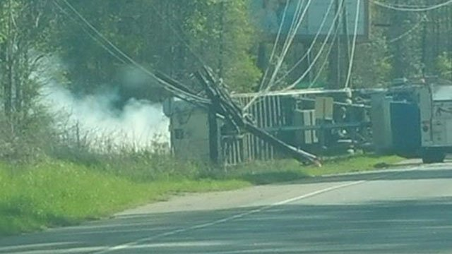 Truck crash in Anderson Co. (Source: iWitness)
